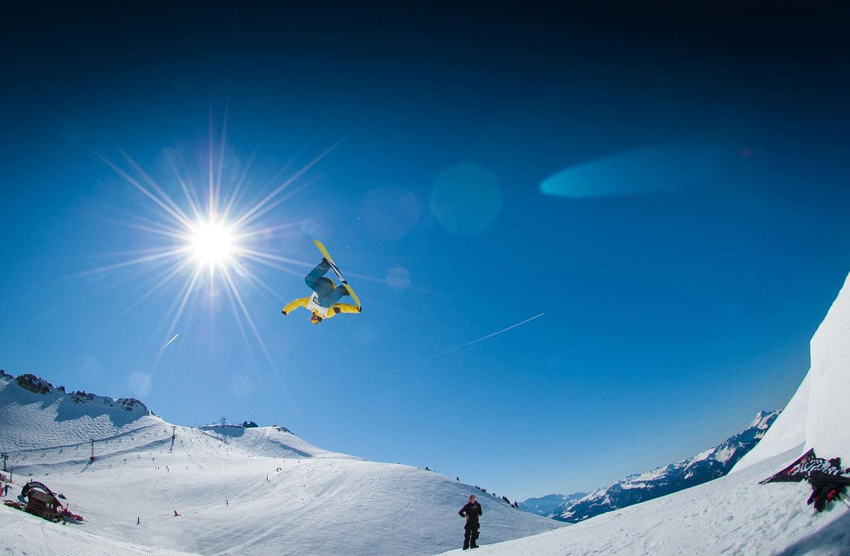 Foosh injury snowboarding, prevent wrist injuries image.